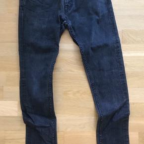 Falmet en smule. Slim fit jeans i super kvalitet.