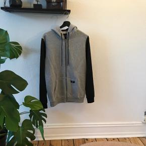 Rascals hoodie med zip str.L  Fin men brugt