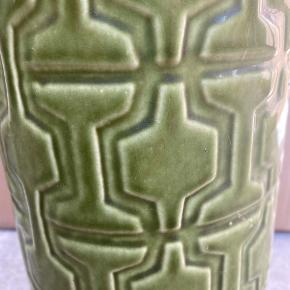 Flot gulvvase i græsgrøn glasur H 40 cm Ø 15 cm