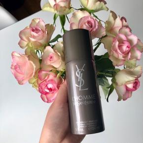 """Yves Saint Laurent """"L' Homme"""" Deodorant parfume 150 ml. Nypris: 250 kr. 🦚  Byd gerne kan både afhentes i Århus C eller sendes på købers regning 📮✉️"""