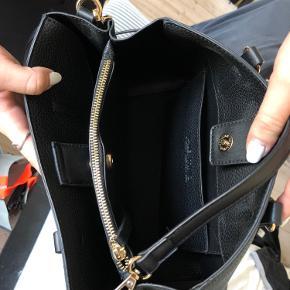 Helt ny Valentino taske