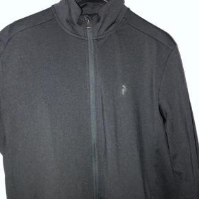 Lækker trøje fra peak! Købt sidste år og har været brugt en enkelt gang! Perfekt stand! Str xxl