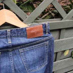 👖GANT Jeans Regular fit, straight leg cut 🛑Worn not more than 5 times  ✴ I'm 170 and around 60kg and they fit perfect ℹ Click on the pictures to see full size