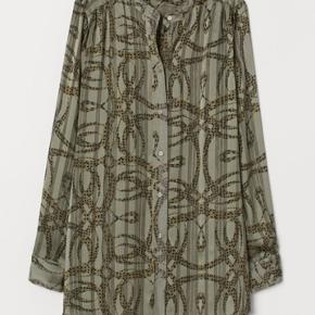 Sælger denne næsten ubrugte skjorte fra særkollektionen Richard Allan x H&M.   Str. 36 men passer også en 38.