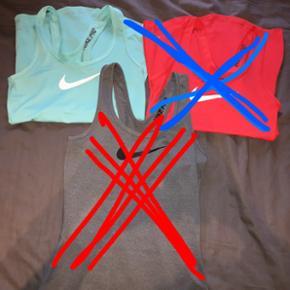Nike sportstoppe i str. XS  🙅🏽GRÅ OG RØD SOLGT🙅🏽  Købt for 209,- pr./stk Aldrig brugt  BYD 👍🏼