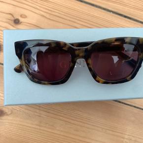 Ganni solbriller Original Etui og kasse medfølger Aldrig brugt pga fejlkøb