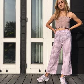 Hej alle, ternede bukser syes i alle farver for kun kr. 400. Mærket er Krusemynthe på insta🦋 Tjek D ud🌿  #tern #ternet