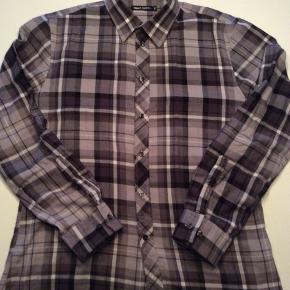 Slim shirt.