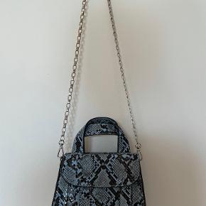Zara anden accessory