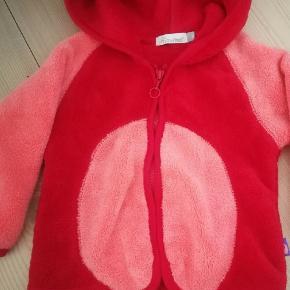 Fin fleece jakke, I det blødeste fleece.   Fra tiny minymo.  Str 62. Aldrig brugt.