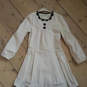 Sælges eller byttesKjole Farve: Hvid