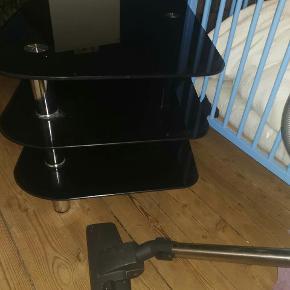 glasbordet skal hentes på nørrebro (4sal)