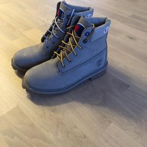 Timberland x Champion støvler. Perfekt til vinter, ekstra snørerbånd medfølger