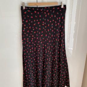 Skøn nederdel til både sommer og vinter og derimellem - virkelig behagelig at have på 😊