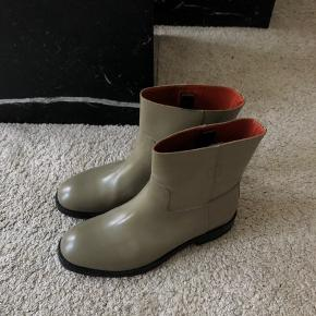 Acne Studios boots Sample (never produced for any collection which makes this boot a limited item) Size 44 Worn once (see sole pic)  MP: 450