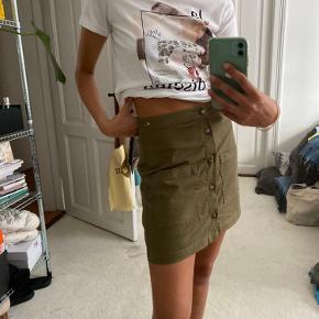 Tommy Hilfiger nederdel Str. 28 Pris 149kr