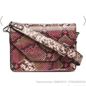 Snakeskin taske fra Adax unlimit i flotte farver. Aldrig brugt