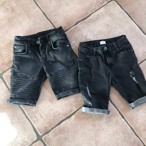 To par shorts. Det ene er fra Grunt str 24 og det andet fra Hound str s. Byd