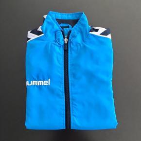 Hummel lynlås trøje med reklame på ryggen - fin stand, kom gerne med realistisk bud 👚