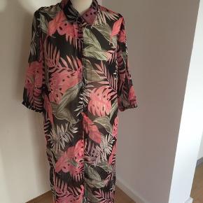 Skjorte/ tunika  Aldrig brugt