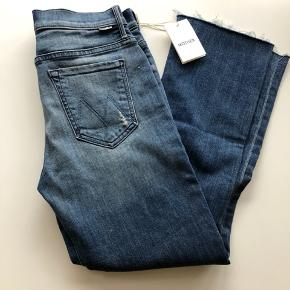 High waisted cropped jeans from Mother. Size w29. New