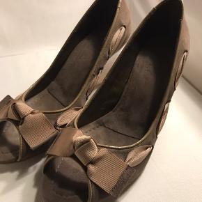 Fin ruskinds sko fra Billi Bi. Helt nye og ubrugte
