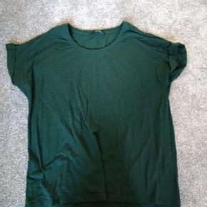 Flot grøn enkel t-shirt Brugt men pæn stand
