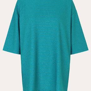 Lækreste bluse fra Stine Goya🙆🏼♀️ Str S, og løs/bred i modellen 🌸🎀
