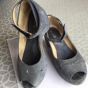 Khrio sandaler