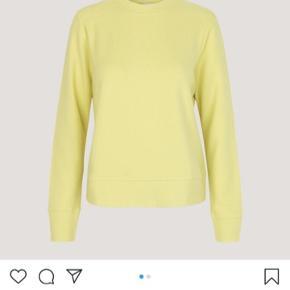 Helt ny trøje, aldrig brugt. Np: 700kr.