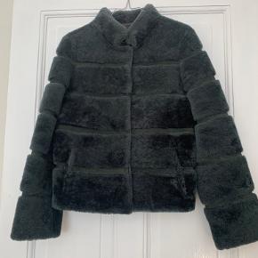 Meotine frakke