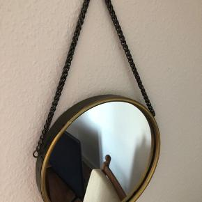 Retro spejl - ukendt mærke. Har kun hængt på vægen - helt uden ridser.