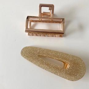 Hårklemmer ca. 4-5 cm   Sidste to rosaguld og glitterklemme  Hentes på Islands Brygge eller sendes på eget ansvar for 10 DKK 💌