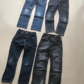 4 par cowboybukser str. 134/9 år  40kr pr par