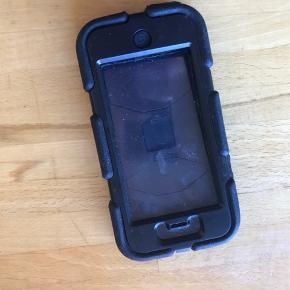 Survivor cover til IPhone 5 Brugt til en børnemobil.