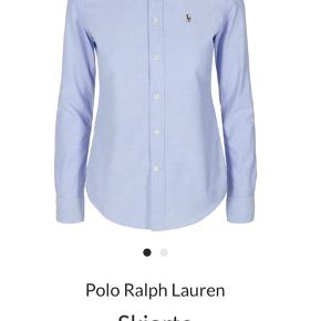 Klassisk Blå skjorte fra Polo Ralph Lauren i str 8 (svarer til en S/M).  Modellen er slim fit.  Materialet er 100% bomuld. Brugt få gange.   Kan afhentes i Aarhus C eller sendes på købers regning :-)