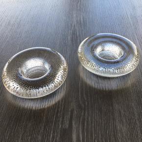 2 små fyrfadsstager i glas Byd
