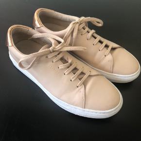 Axel Arigato  sko, brugt få gange.