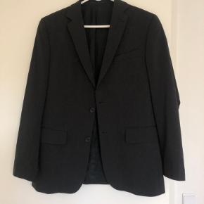 Vintage oversize blazer  Str 50 - jeg er en xs men bruger den som oversize kan også sagtens bruge af en small, medium, large  Nålestribet - fejler ikke noget