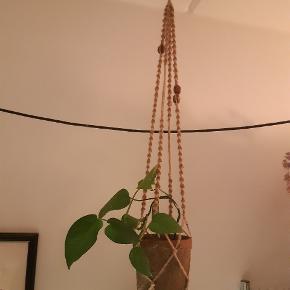 Ophæng til planter med perler 😊 Sælges uden potte og plante