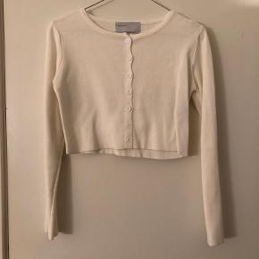 Hvid cropped cardigan fra styleaddict