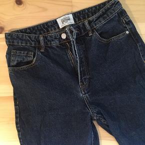 Jeans fra Zara, passer en str. S. Aldrig brugt.
