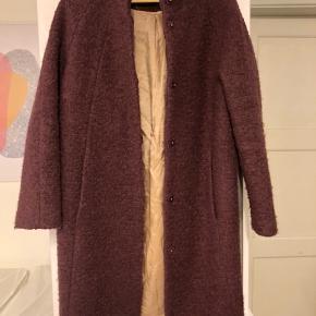 Super flot uld frakke fra Selected femme. Str. 36 Brugt omkring 10 gange. Byd