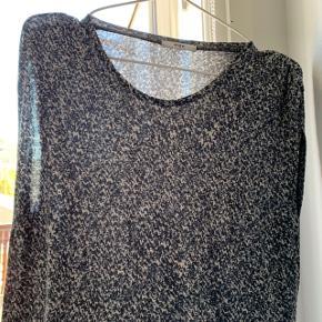 Dejlig mønstret kjole fra Stig p