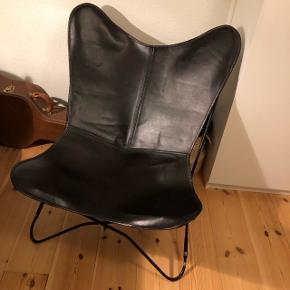 Flagermusstolen fra MørkholmAldrig brugt og kun lige pakket ud af kassen   Nypris: 1295,-  Byd! :)