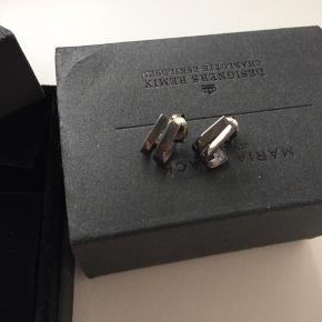 Maria Black x Designers Remix øreringe   gunmetal