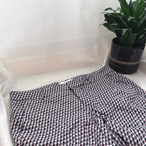 Smukke mønstrede slacks 🌸 Skriv gerne for mere info eller flere billeder - Obs fra røg-frit hjem!♻️