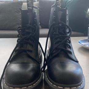 Dr. Martens Sko & støvler