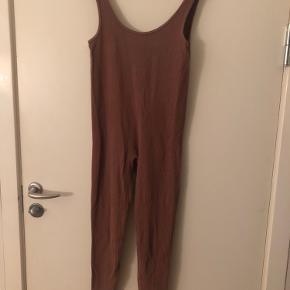 Bodysuit fra zara i det blødeste stof passer en s/m  Køb 3 ting fra min profil og få den billigste ting med gratis😍