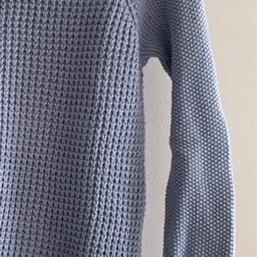 Worn a few times. Really good condition knitted jumper